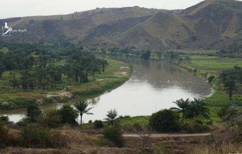 The Rio Keve, as seen from the road that goes to Sumbe, coming from Gabela (province of Kwanza Sul).